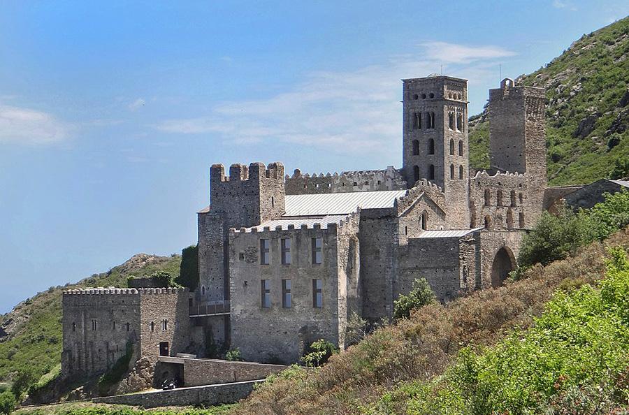 Kirchen und Burgen in Katalonien