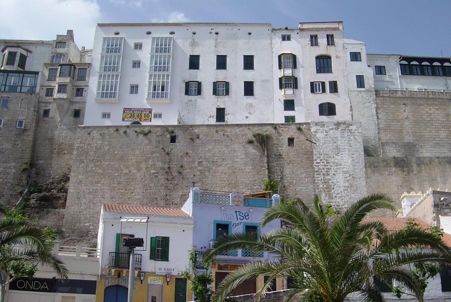 Zwei Städte auf Menorca